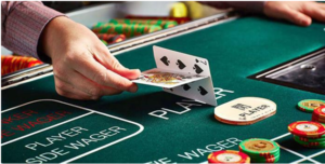 How to play Baccarat at online casinos
